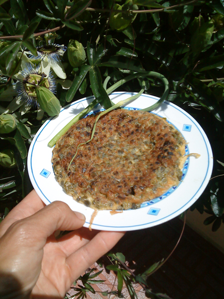tortilla brotes flores ajos